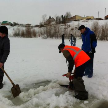 Экологическая акция по спасению рыбы от замора!